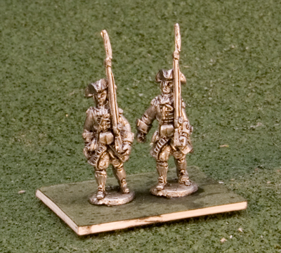 15MBN118 French Grenadiers Tricorn, belly box laced coats