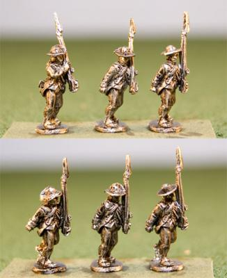 15AMR-02 Continentals in Regimental Coats, Round Hats, Advancing Shoulder Arms